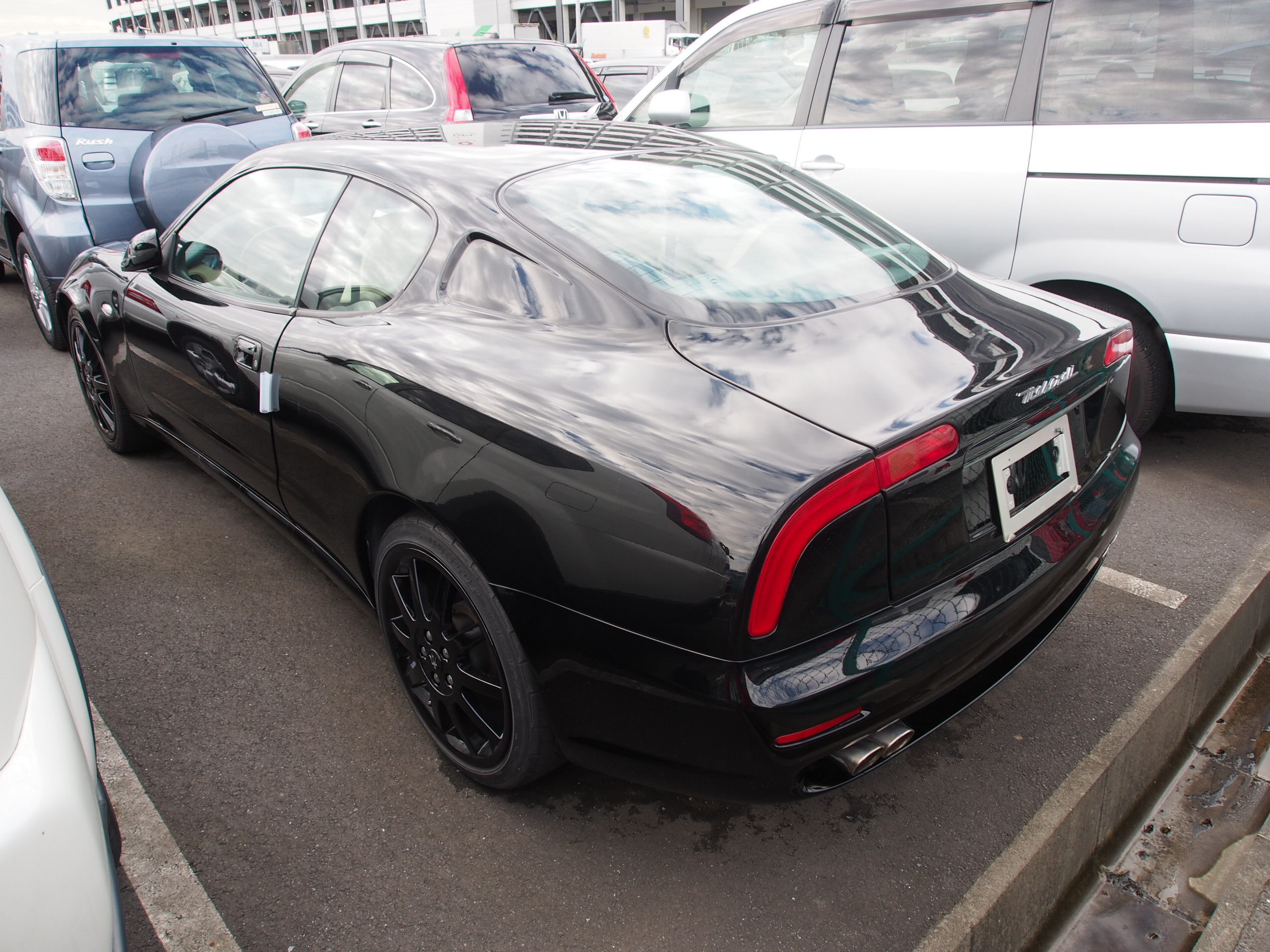 maserati3200gtnoire_port_japon2