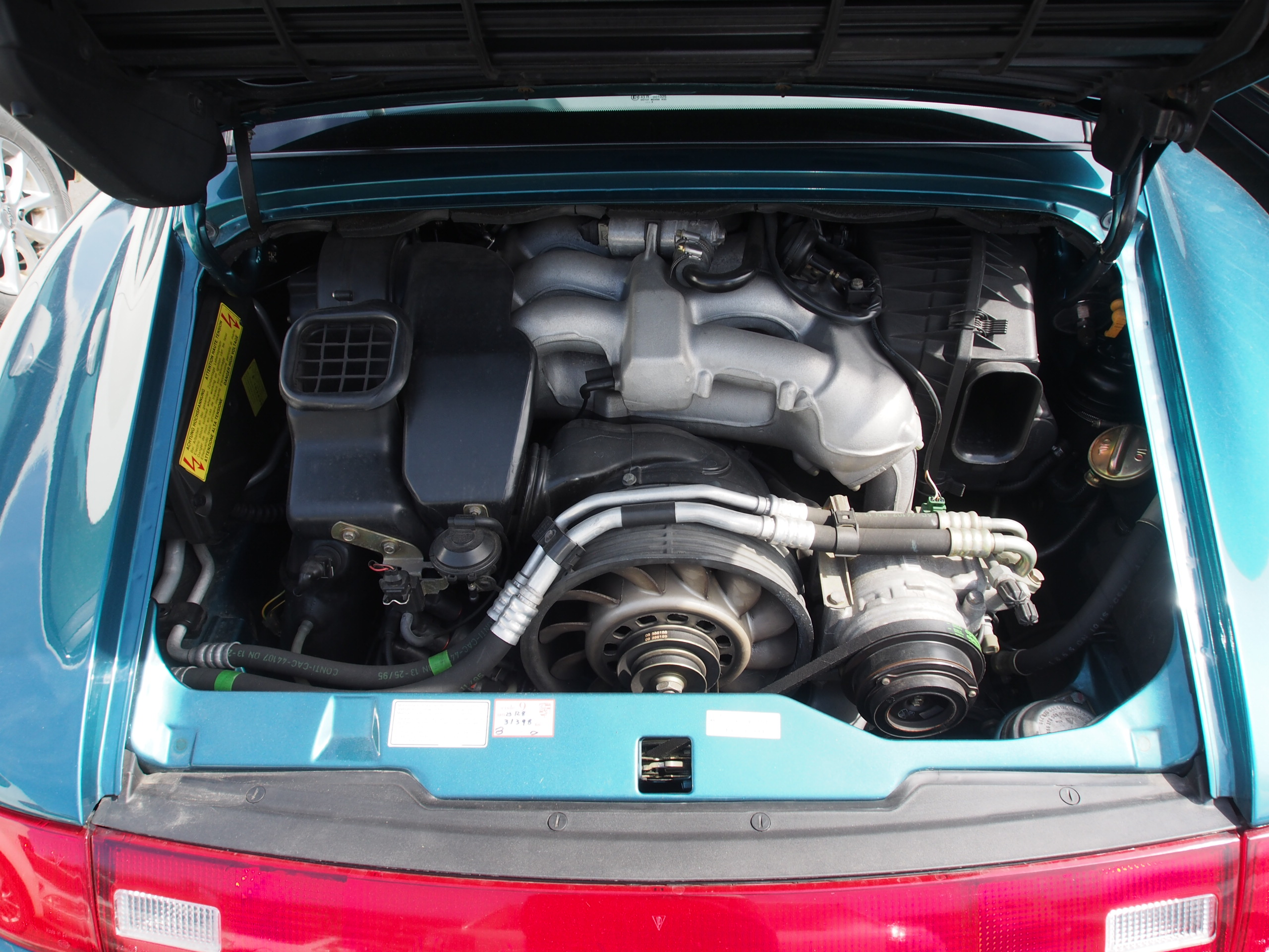porsche993targa_port_japon_engine