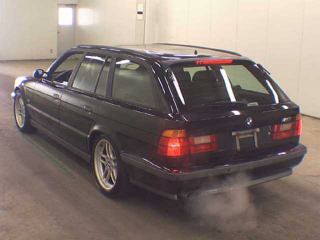 bmw-m5-e34touring_japon1