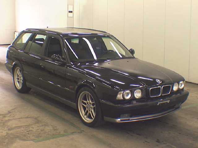 bmw-m5-e34touring_japon2